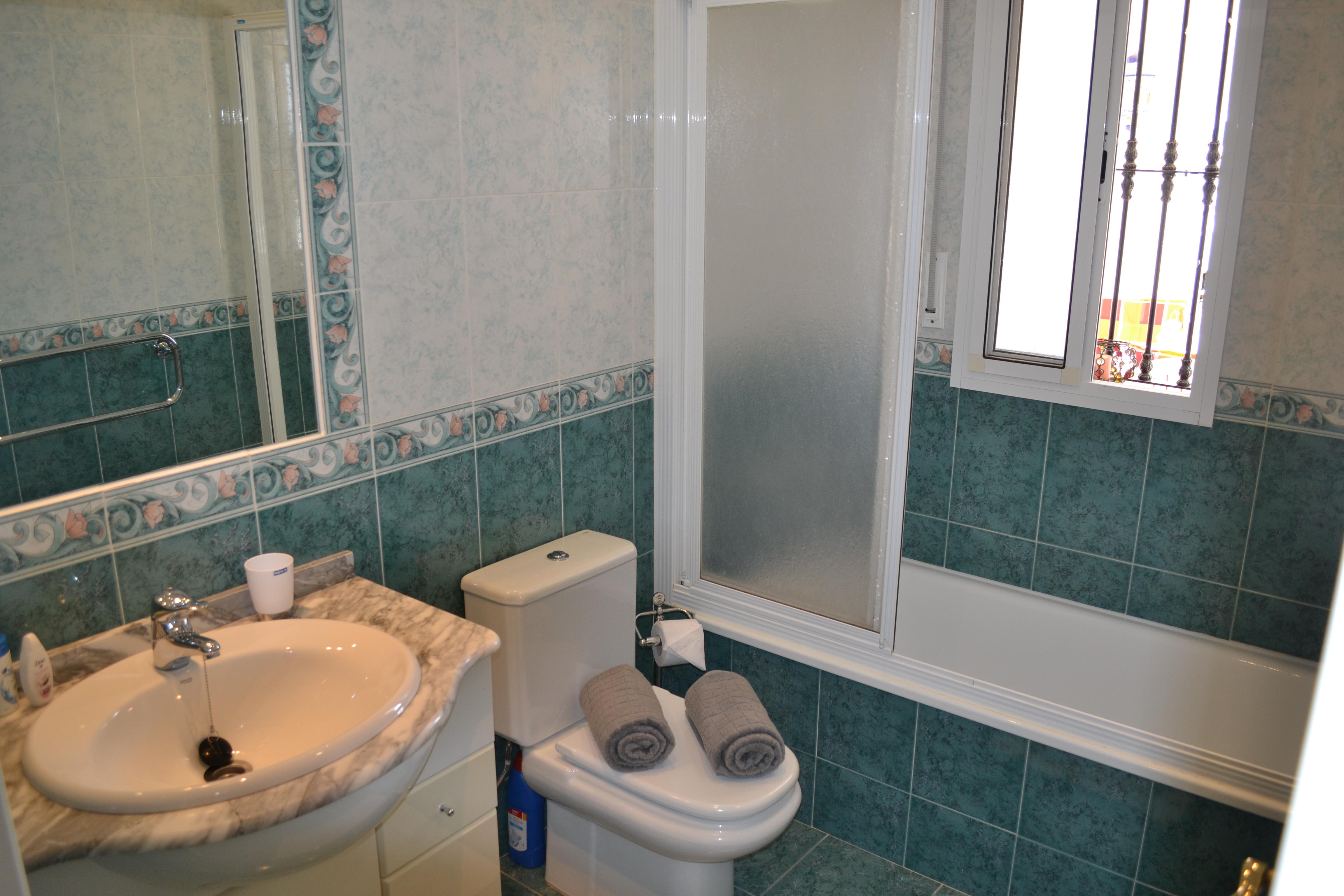 Ligbad met bubbels ontwerp inspiratie voor uw badkamer meubels thuis - Fotos italiaanse douche ontwerp ...
